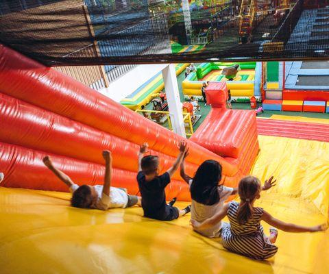 Indoor Spielplätze